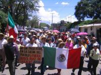 Marcha caminata popular avanza desde Oaxaca