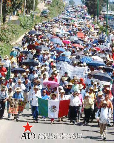 Marcha Caminata de la APPO y El Magisterio de Oaxaca hacia la cd de México