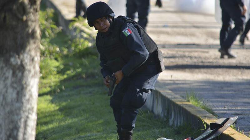 armed-police-gun-nochixtlan